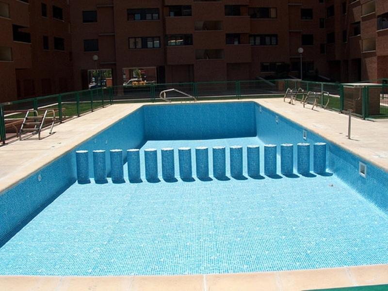 Piscinas arizon y gracia for Rehabilitacion en piscina